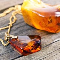 Nettoyage énergétique de l'ambre (décharger l'énergie accumulée)?