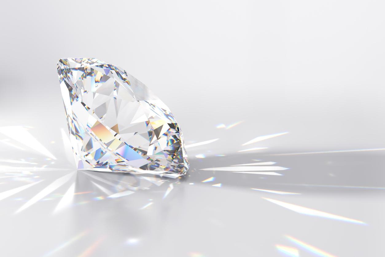 Nettoyage énergétique d'un diamant canon d'énergie
