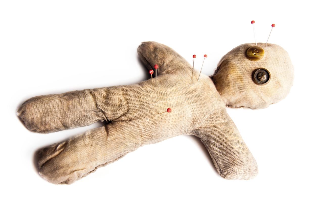 Poupée vaudoucomment se protéger d'un sort ou d'une malédiction