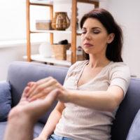 L'hypnose pour un nettoyage énergétique: est-ce efficace?